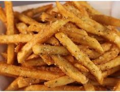 Learn How To Make Homemade Crispy Fries Without an Oil Drop Food Trucks, Seasoned Fries, French Fries Recipe, Gourmet Recipes, Healthy Recipes, Food Porn, I Love Food, Food And Drink, Yummy Food