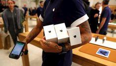 La explosión de un iPhone provoca el desalojo de una tienda de Apple en Zurich