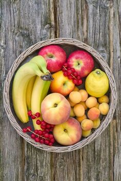 Fruit, one of 11 healthy foods that leave you hungry. If you're eating more than one serving of the whole variety (e.g., one banana or one cup of berries), you may want to scale back. It may have nutritional benefits, but fruit is not going to help suppress your appetite because it contains both fructose and glucose, which won't signal insulin, causing your appetite to rage on. Find out how to eat it so it's filling instead.
