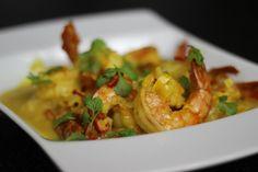 Jak przygotować Krewetki Po Tajsku - Zobacz Przepis Video na krewetki przygotowane według przepisu kuchni tajskiej. Staną się przysmakiem na każdą okazję, smakowało? nie zapomnij skomentować:)
