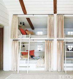 Vacation home bunk room via Elle Decor. Bunk Bed Rooms, Bunk Beds Built In, Modern Bunk Beds, Kids Bunk Beds, Attic Bedrooms, Kids Bedroom, Loft Beds, Bedroom Decor, Bedroom Ideas