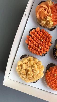 Cupcake Cake Designs, Cupcakes Design, Baking Cupcakes, Yummy Cupcakes, Cupcake Cakes, Cupcake Decorating Tips, Cake Decorating Frosting, Cake Decorating Designs, Cake Decorating Techniques