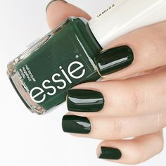 the Essie nail polish, that glossy?😍 tropic' lush grove green the essie Spring 2016 collection. Essie Nail Polish, Nail Polish Colors, Cute Nails, Pretty Nails, Manicure Y Pedicure, Green Nails, Dark Green Nail Polish, Cool Nail Designs, Nails Inspiration