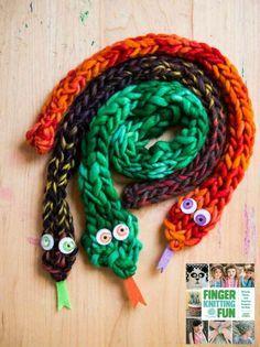 Fantastic spring things to knit and crochet - decoration .-Fantastische Frühlings-Sachen zum Stricken und Häkeln – Dekoration Haus Diy Fantastic spring things to knit and crochet # Knitting makes you happy - Spool Knitting, Knitting For Kids, Knitting For Beginners, Knitting Patterns, Scarf Patterns, French Knitting Ideas, Crochet Patterns, Knitting Machine, Finger Knitting Projects
