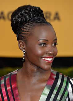 red carpet sag awards lupita elie saab