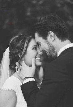- The most important wedding photos for the day and 10 great tips wedding photography - Hochzeit - Fotografie Wedding Photography Checklist, Wedding Photography Poses, Couple Photography, Photography Ideas, Photography Lighting, Celebrity Photography, Photography Studios, Photography Accessories, Photography Portraits