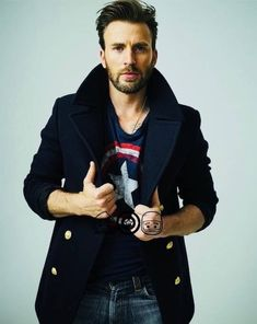 New photos: chris evans outtake from the rolling stone photoshoot Christopher Evans, Capitan America Chris Evans, Chris Evans Captain America, Oh Captain My Captain, Captain Rogers, Robert Evans, Human Torch, Hollywood Actor, Steve Rogers