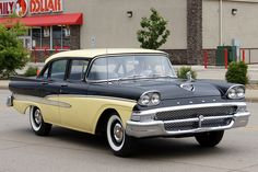 Cars of 1958 Part I: After WWII auto manufacturers were scrambling to fill the demand for new cars, since auto production had stopped early in Early in the a price war between Chevrolet. Vintage Cars, Antique Cars, 50s Cars, Mercury Cars, Pontiac Cars, Ford Lincoln Mercury, Ford Fairlane, Old Fords, Car Ford