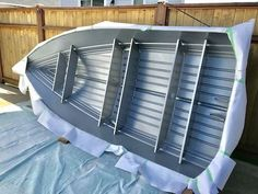 How to Easily Paint an Aluminum Boat (With Pictures) Aluminum Boat Paint, Aluminum Jon Boats, Aluminum Fishing Boats, Aluminium Boats, Surf Fishing, Fishing Stuff, Salmon Fishing, Ice Fishing, Bass Fishing