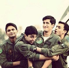 Pakistan Defence, Pakistan Armed Forces, Pakistan Zindabad, Pakistan Fashion, Air Force Wallpaper, Pak Army Soldiers, Love You Cute, Army Love, Losing A Child