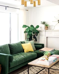 Living Room Ideas with Green sofa . Living Room Ideas with Green sofa . Unique Living Room Ideas for Green sofa Living Room Green, Living Room Sofa, Home Living Room, Living Room Designs, Living Room Decor, Apartment Living, Apartment Couch, Green Rooms, Living Spaces