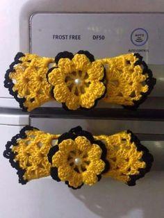 Filet Crochet, Crochet Motif, Crochet Flowers, Crochet World, Crochet Toys, Crochet Baby, Crochet Stitches Patterns, Crochet Designs, Elephant Throw Pillow