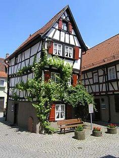 Deutschland-Reise: Mosbach, Baden-Württemberg   Die Fachwerkhäuser in Mosbach im Odenwald sind aus dem 15. bis 18. Jahrhundert, aber gut erhalten wie etwa ...