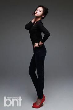 Black Long Sleeve Plain Top Fashion of Hello Venus Yoo Ara Plain Tops, Cupid, Asian Fashion, Actors & Actresses, Normcore, Singer, Kpop, Venus, Long Sleeve