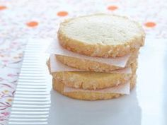 Sables ~ French version of the sugar cookie - From Cookiepedia