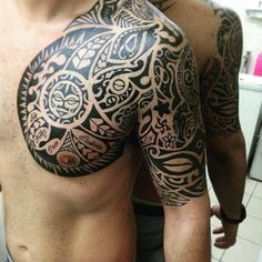 125 Maori Tattoos: Tradition and Trend (with Meaning) - Wild Tattoo Art Tribal Tattoos, Maori Tattoos, Sleeve Tattoos, Polynesian Tattoo Designs, Maori Tattoo Designs, Life Tattoos, Tatoos, Tattoo Drawings, Tattoo Art