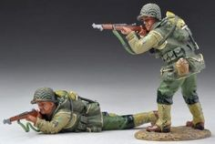 World War II U.S. 2nd Ranger Battalion USA002A Standing & Prone Firing Wet Look - Made by Thomas Gunn Military Miniatures and Models. Factory made, hand assembled, painted and boxed in a padded decorative box. Excellent gift for the enthusiast.