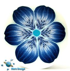 Blue flower cane by Marcia - Mars design, via Flickr. Especially like the details at the base of each petal
