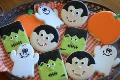 Cookie Construction: Halloween Fun - perfect for my son's Kindergarten class Theme Halloween, Halloween Goodies, Halloween Cakes, Cute Halloween, Halloween Treats, Fall Cookies, Pumpkin Cookies, Cute Cookies, Halloween Cookies Decorated