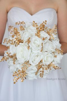 Gold Bouquet, White Wedding Bouquets, Bride Bouquets, Flower Bouquet Wedding, Gold Wedding, Different Bridesmaid Dresses, Bridesmaid Flowers, Bridesmaids, Davids Bridal Gowns