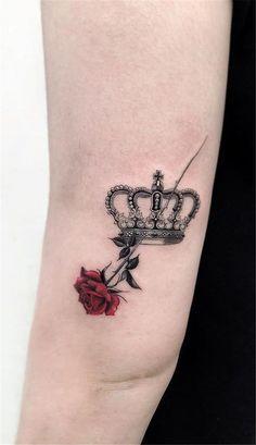 Hand Tattoos, Love Tattoos, Body Art Tattoos, Small Tattoos, Tattoos For Guys, Tattoo Guys, Tatoo Crown, Crown Tattoo Design, Small Crown Tattoo