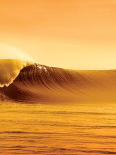 Big waves made to surf Water Waves, Ocean Waves, Waves Photography, All Nature, Big Waves, Surfs Up, Sunset Photos, Mellow Yellow, Ocean Life