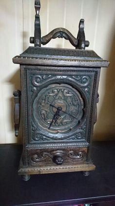 ★豪華な木彫りの時計★ジャンク品_画像1