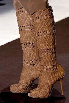 Basket Weave Boots  Um... it looks like she is wearing a porch chair on her feet. Nice idea, but not quite.