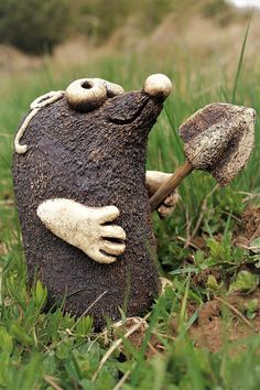 Clay Animals, Taupe, Sculpture, Painting, How To Make Crafts, Gardens, Sculptures, Pottery, Animaux