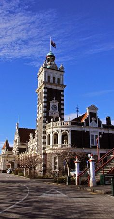 The Dunedin Railway Station, NZ The Beautiful Country, Beautiful Places, Chatham Islands, New Zealand Holidays, Kiwiana, Australia, South Island, Small Island, Travel Planner