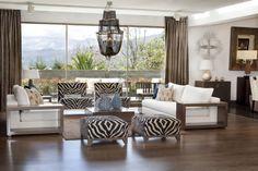 Adriana Hoyos Showroom #livingroom #interiordesign #hoyos