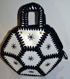 Hexagon Black & White Crochet Panel Purse - Quirky Finds Vintage Crochet Purse Patterns, Crochet Purses, Plastic Bottle Crafts, Plastic Bottles, Crochet Flower Tutorial, Craft Bags, Leather Bags Handmade, Vintage Purses, Recycled Crafts