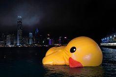 Big Quack Attack: In Hong Kong, Giant Duck Makes a Splash then loses air!!!