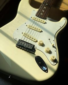 We haven't posted a #Straturday in a while, but this Jeff Beck signature model is here to save the day! This 2017 Fender Jeff Beck Stratocaster has a great feeling maple neck, Fender Deluxe locking tuners, Noiseless pickups, and American Standard electronics. Don't wait, make it yours. Available at elderly.com. Fender Deluxe, Jeff Beck, American Standard, Electric Guitars, Model, Electronics, Scale Model, Models