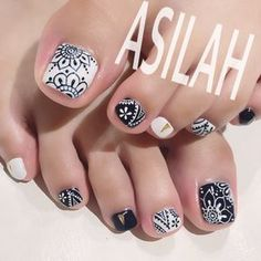 The advantage of the gel is that it allows you to enjoy your French manicure for a long time. There are four different ways to make a French manicure on gel nails. Manicure, Pedicure Nail Art, Toe Nail Art, Acrylic Nails, Pretty Toe Nails, Love Nails, My Nails, Pedicure Designs, Toe Nail Designs