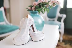 Bride shoes. Zapatos de Novia de encaje.