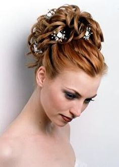 love the white flowers in red hair!