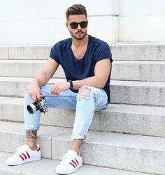 98f35e738 TÊNIS BRANCO MASCULINO  Como Usar  10 maneiras Diferentes para compor o  Visual - Guia. Calça Jeans RasgadaCalça Masculina ...