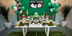 o que esta usando na decoração de festa infantil 2015 - Pesquisa Google Football Theme Birthday, Soccer Birthday Parties, Soccer Party, Sports Party, Barcelona Party, Party Decoration, Diy Party, Party Ideas, Party Time