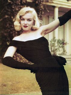Stunning Pictures of Hollywood Beauty Marilyn Monroe Marylin Monroe, Vintage Hollywood, Hollywood Glamour, Most Beautiful Women, Beautiful People, Glamour Hollywoodien, Viejo Hollywood, Mae West, Actrices Hollywood