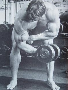 Standing-concentration-curls
