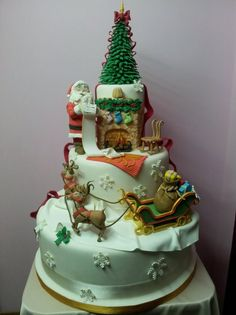Dolce Natale - by Lucia Busico @ CakesDecor.com - cake decorating website