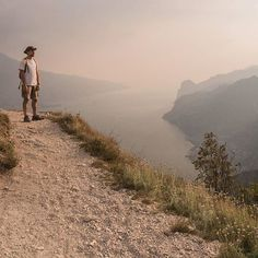 #Repost @isola_fenice  Punta Larici Lago di Garda.  #gf_italy #awesomeitaly #livethelittlethings #browsingitaly #italian_places #volgoitalia #vivo_italia #ig_italia_ottobre #ig_italy #ig_europe #igworldclub #ig_countryaward #ig_masterpiece #igersbrescia #gardaoutdoors #gardalake #gardasee #lakegarda #instagarda #gardamio #lakegardaphotography #lagodigarda #photogc #gardaconcierge #lifegarda #lagodigardalombardia  #gardatrekking #landscape