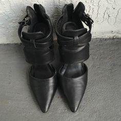 Aldo black shoes! Worn a couple of times and they are in very good condition :) ALDO Shoes Heels