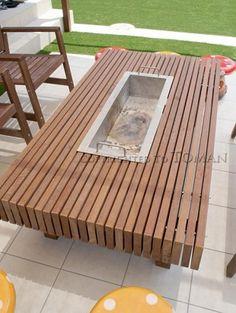 伊賀市 人工芝とBBQのできるお庭 | 東万 Fire Pit Backyard, Backyard Bbq, Garden Seating, Garden Table, Wood Pallet Furniture, Outdoor Furniture, Irori, Brick Bbq, Grill Table