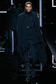 Love the styling of this look... Regal, aristocratic yet understated  Balmain Fall 2017 Menswear Collection Photos - Vogue