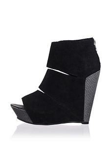 Messeca Women's Coraline Wedge Sandal (Black Python)
