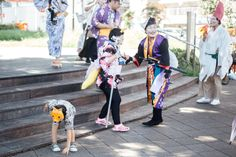 My new neighborhood had a cute little kitsune festival last weekend to celebrate the 'cooling of summer coming into autumn'. Oji is home to the site of a famous Japanese folktale about foxes who gathered every new year's eve under a big tree and used...
