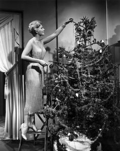 From Elizabeth Taylor and Audrey Hepburn, to Marilyn Monroe to Sophia Loren, look back at the icons of Hollywood's Golden Age in 11 beautiful vintage shots as they celebrate the festive season.