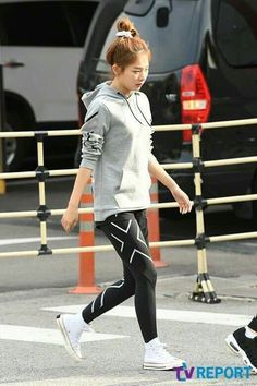 Kang Seulgi, Red Velvet Seulgi, Kim Yerim, Velvet Fashion, Korean Music, Sooyoung, Sporty, Style Inspiration, Clothes
